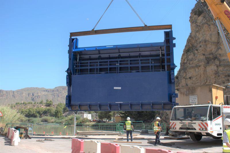 montaje compuerta vagón novahidraulica